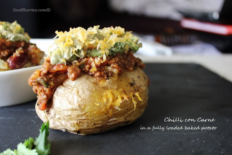 ... Food Adventure: Chilli Con Carne on Baked Potatoes » Food Flurries