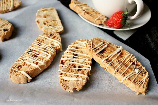 Biscotti_Orange-Almond-Sultanas2 (640x426)