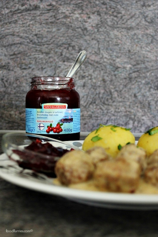 Swedish meatballs_lingonberry jam